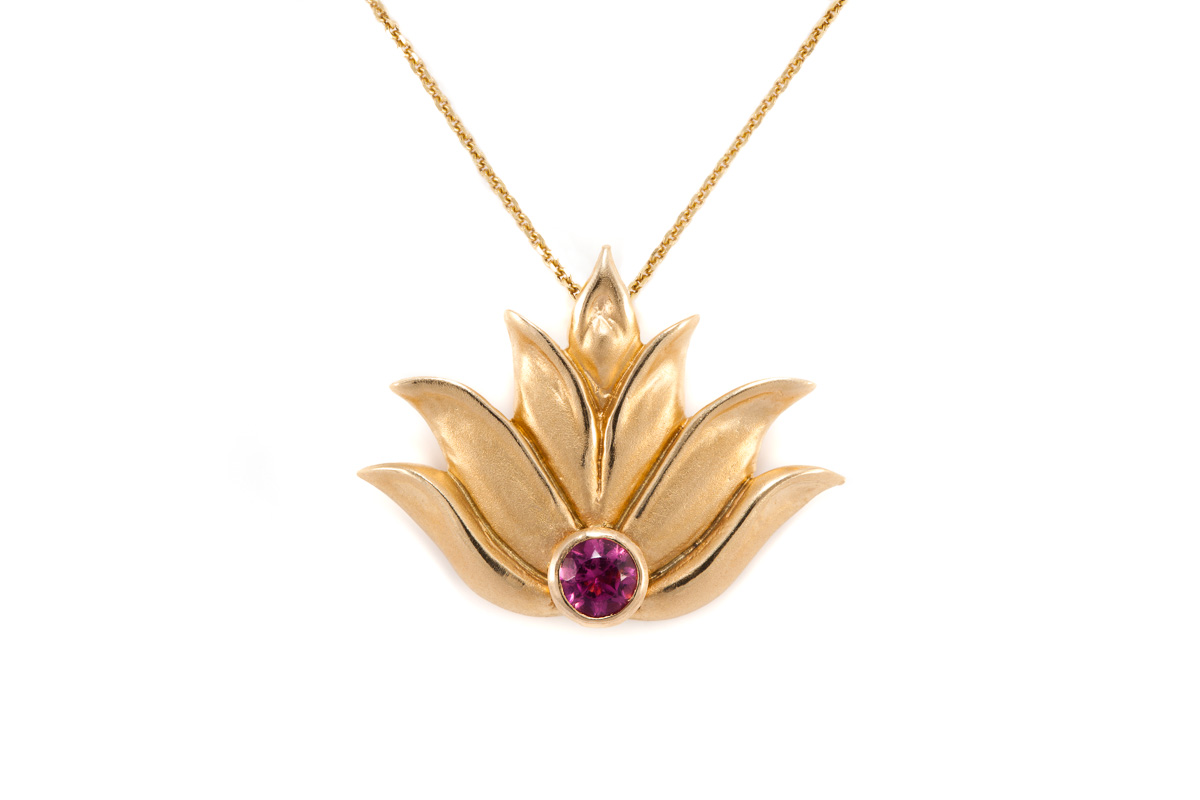 carat kt gold lotus pendant golden en