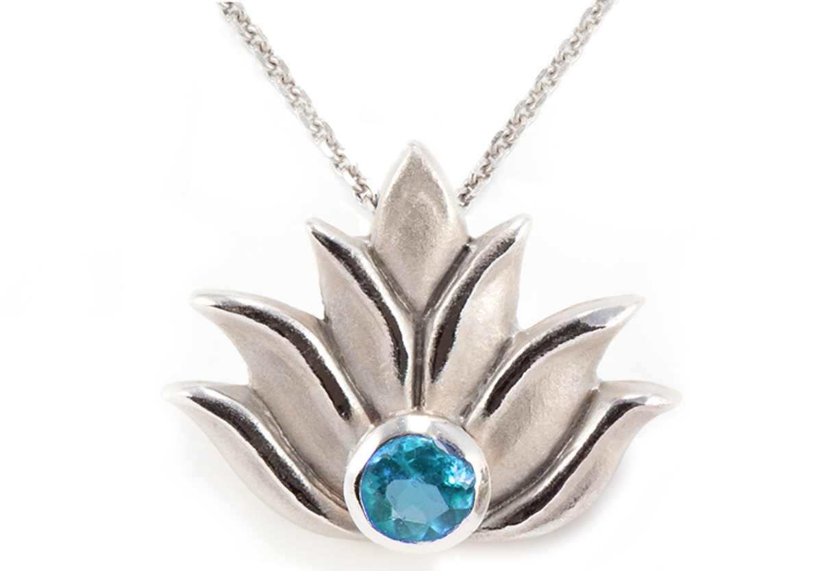 with stone lotus sterling en silver pendant